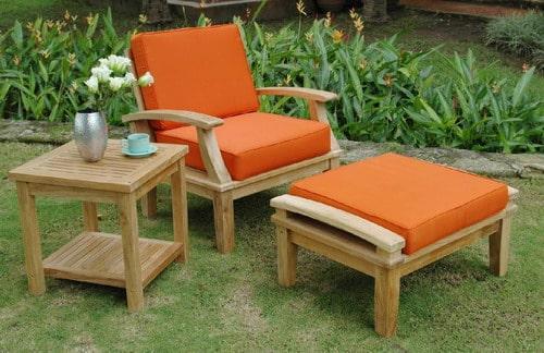 Drevený nábytok do záhrady