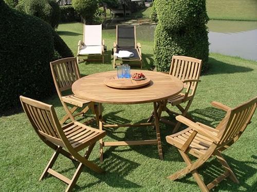 Teakový záhradný nábytok