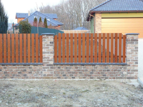 Kombinovaný plot