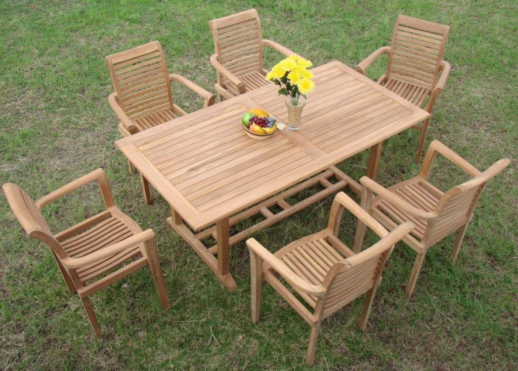 Teakový nábytok do záhrady