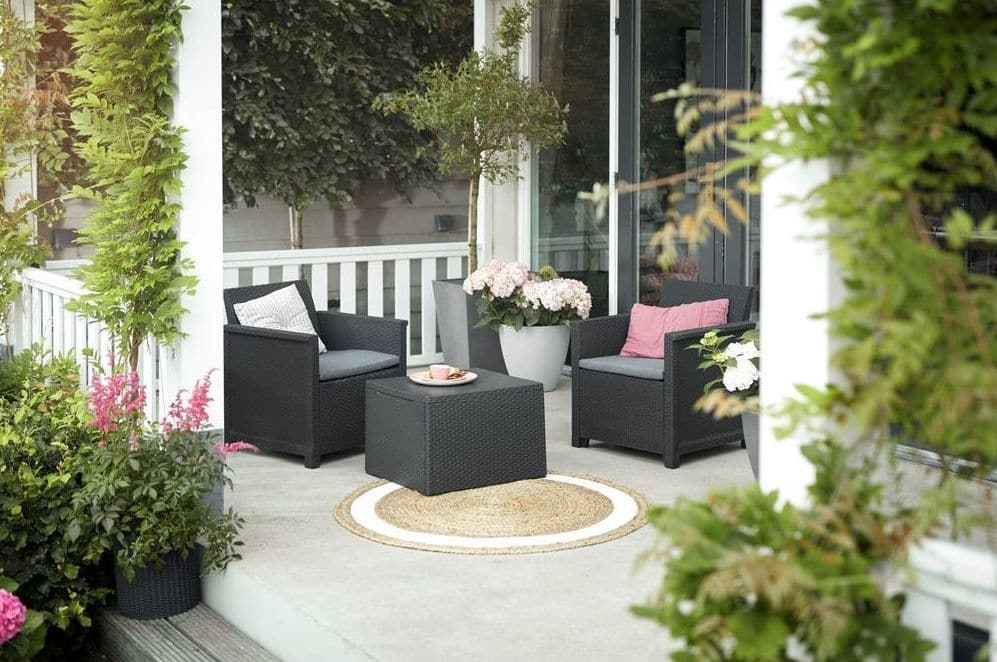 Ratanový nábytok do záhrady